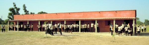 Tres aulas en Louly Benteigné